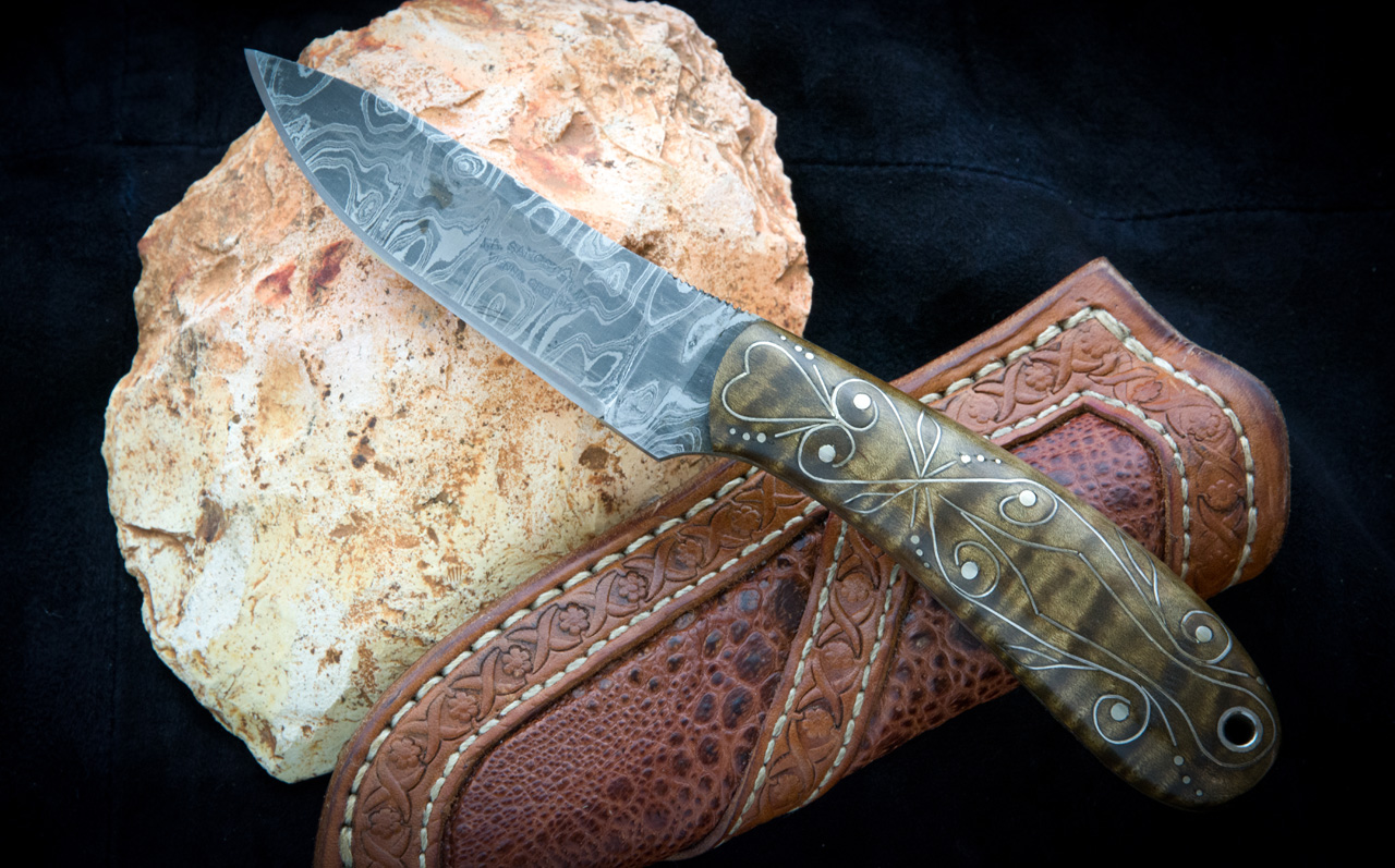 Fixed Blade Damascus Curly Maple Small Hunter Knife